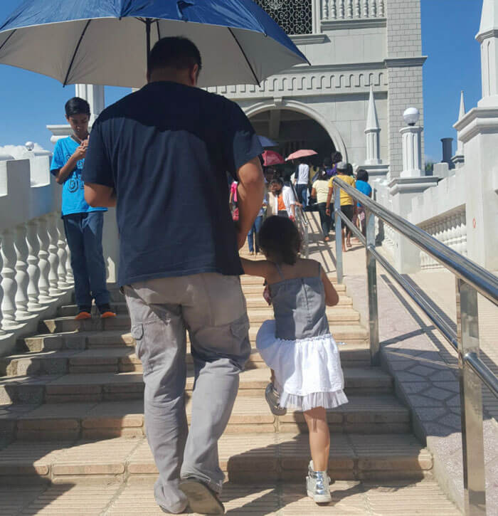 father daughter holding hands pics 7 (1)