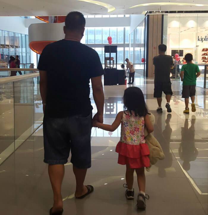 father daughter holding hands pics 8 (1)
