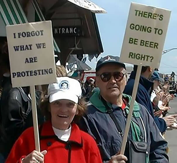 hilarious protesters trolling people 13 (1)