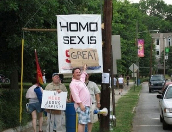 hilarious protesters trolling people 18 (1)