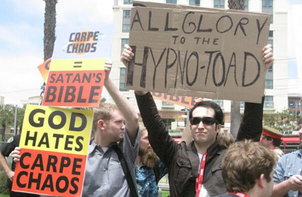 funny signs trolling people 44 (1)