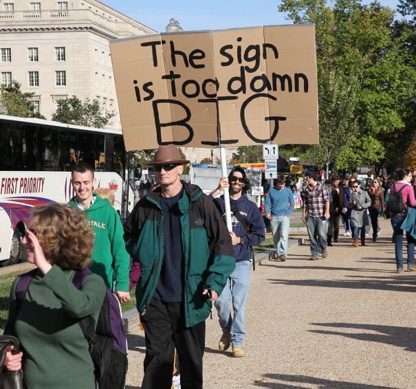 funny cardboard signs trolling people 61 (1)