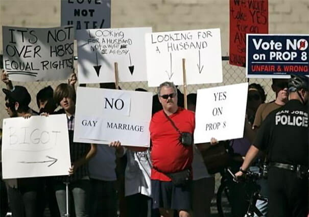 funny cardboard signs trolling people 62 (1)