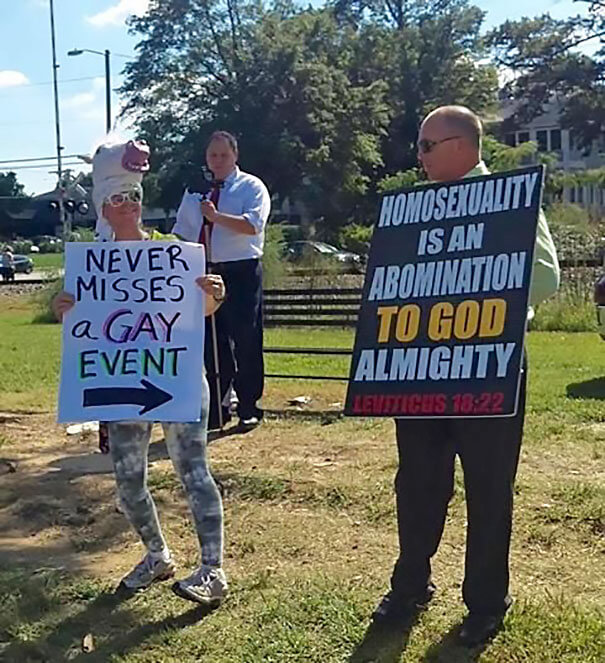 funny protest signs trolling people 7 (1)