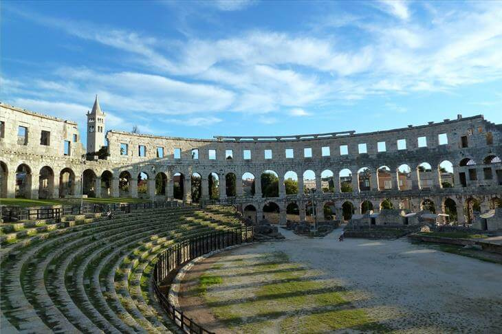 oldest buildings in the world 11 (1)