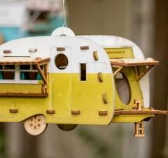 retro birdhouse camper feat (1)