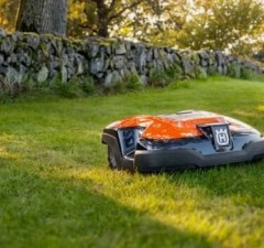 robot lawn mowers feat (1)