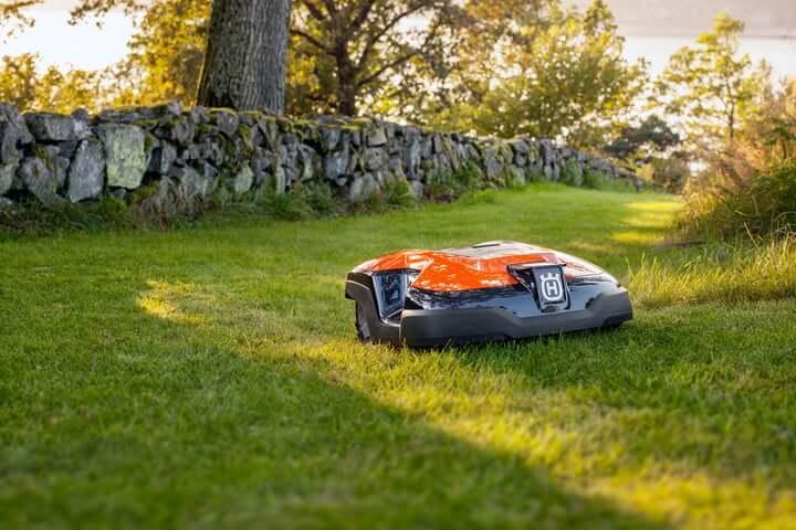 robot lawnmowers 1 (1)
