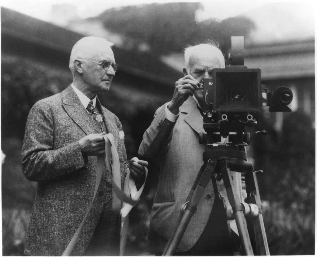 Thomas-Edison-first-motion-picture-camera