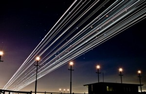 long exposure photos of airplanes feat (1)