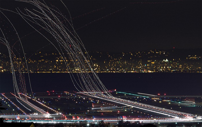 long exposure photos or airplanes taking off 1 (1)