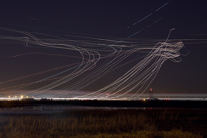long exposure photos or airplanes taking off 3 (1)