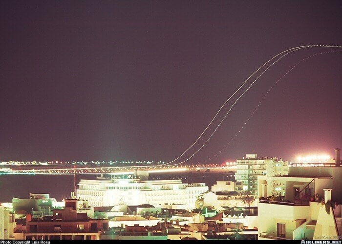 long exposure photos or airplanes taking off 5 (1)