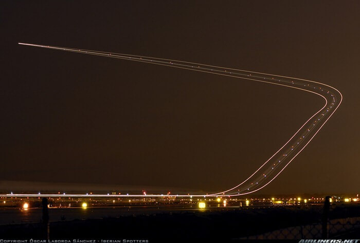 long exposure photos or airplanes taking off 7 (1)