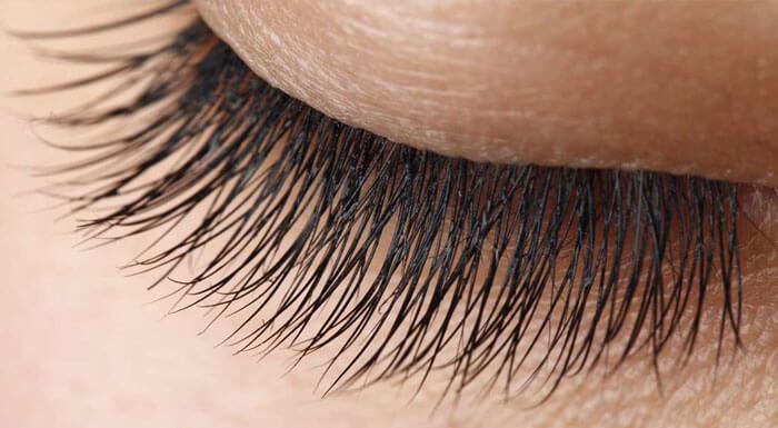 why do guys have longer eyelashes 1 (1)