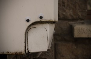 googly-eyes-on-street-objects