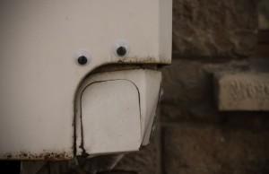 googly-eyes-on-street-objects