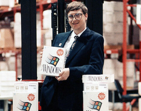 history-of-apple-in-pictures-Microsoft-3-cheap-commodity-computers
