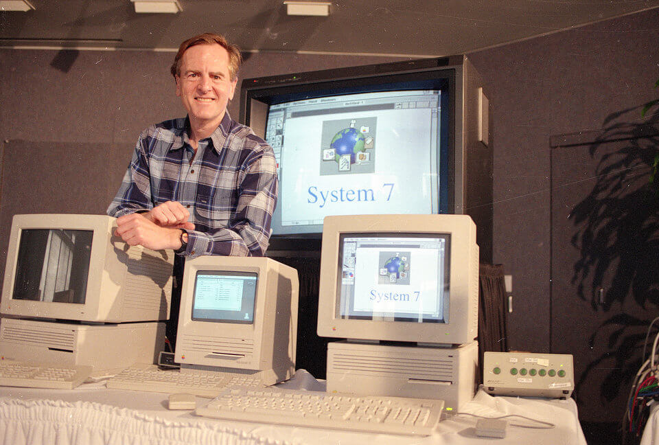 history-of-apple-in-pictures-System-7