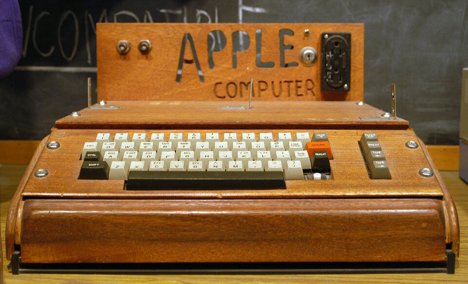 history-of-apple-in-pictures-apple-1