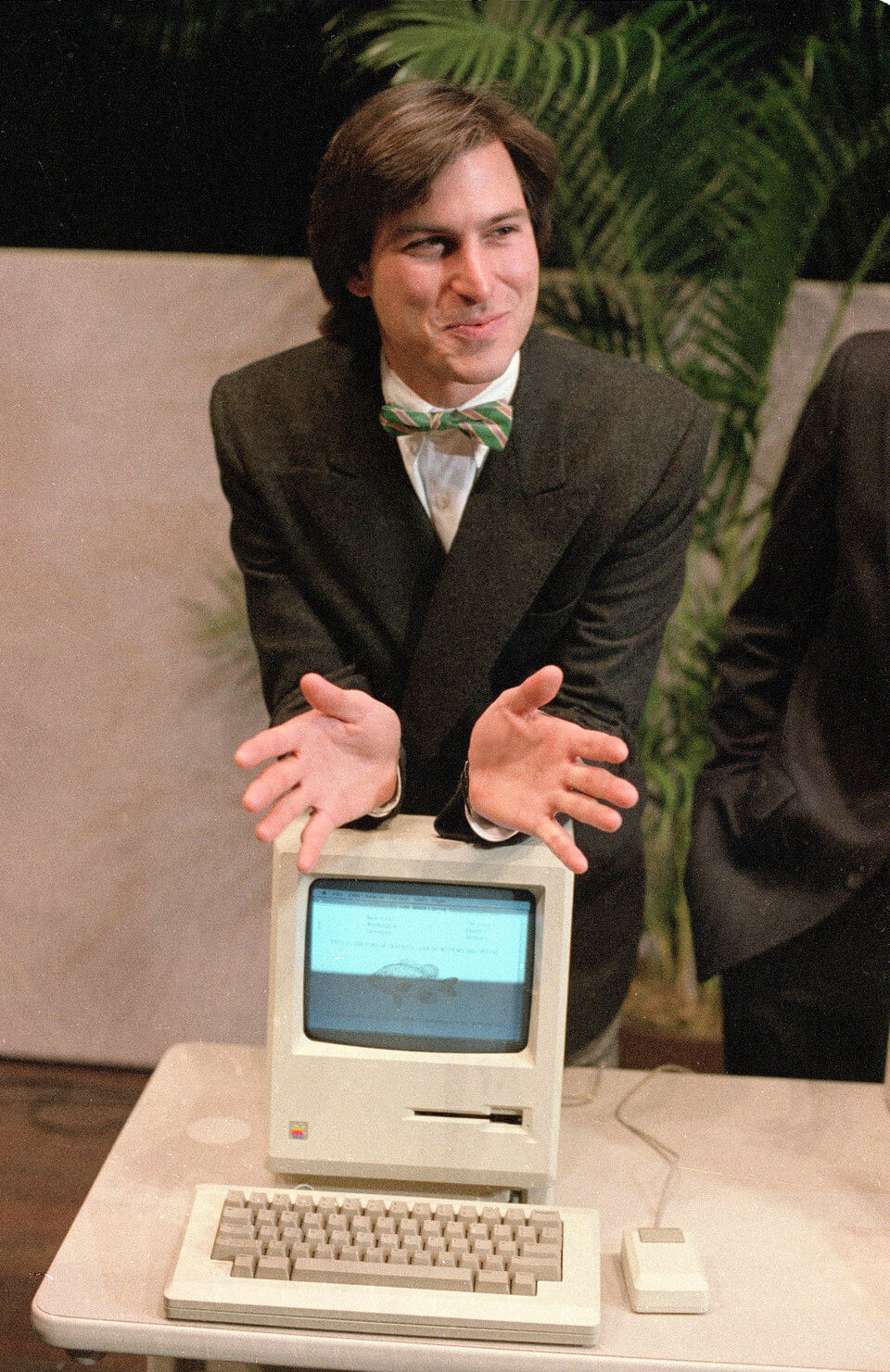 history-of-apple-in-pictures-apple-macintosh