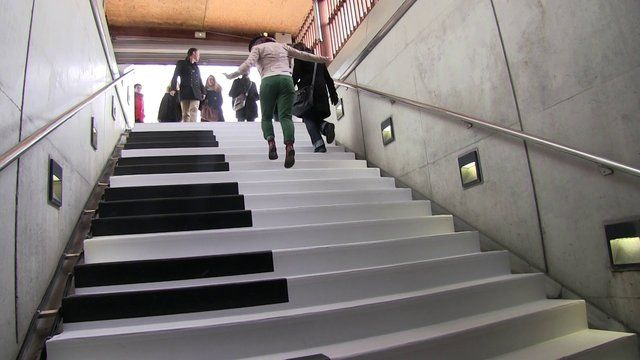 piano-stairs-france