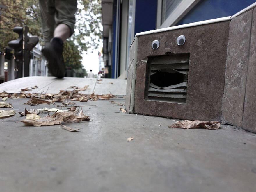 street-objects-googly-eyes11