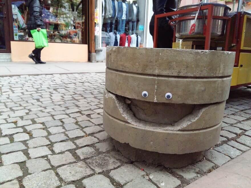 street-objects-googly-eyes2