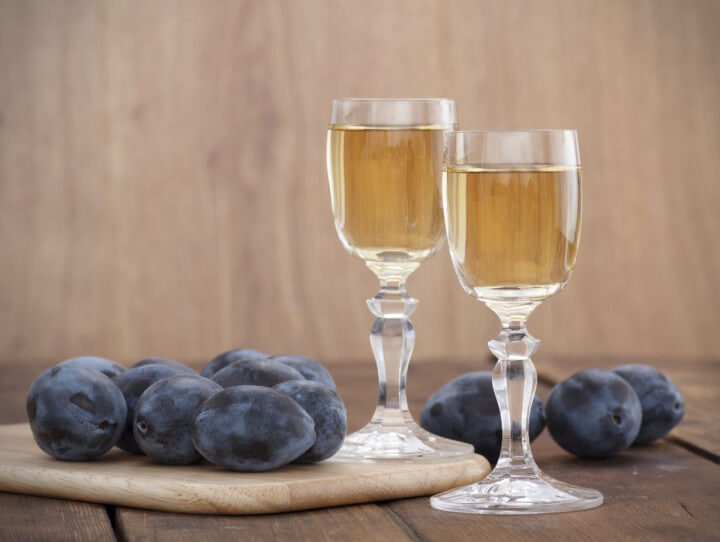 traditional-drinks-in-the-world-slivovitz