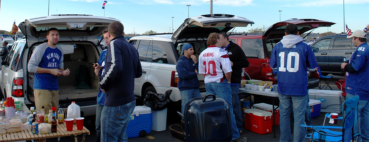 why do people tailgate in sporting events (1)