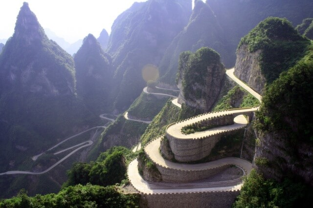 24_tianmen_mountain_road_china