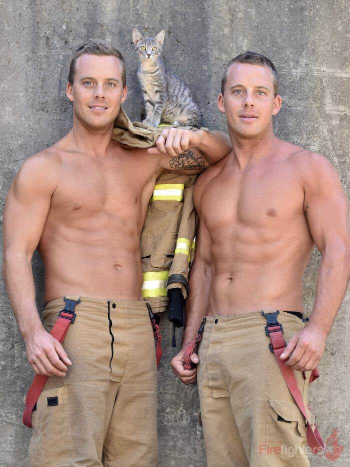 australian-firefighter-pose-with-animals-2019_10