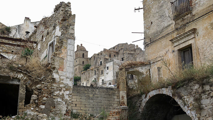 ghost town craco italy