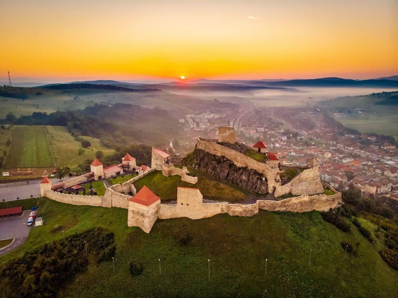 bewildering_castles_Romania_Rupea citadel