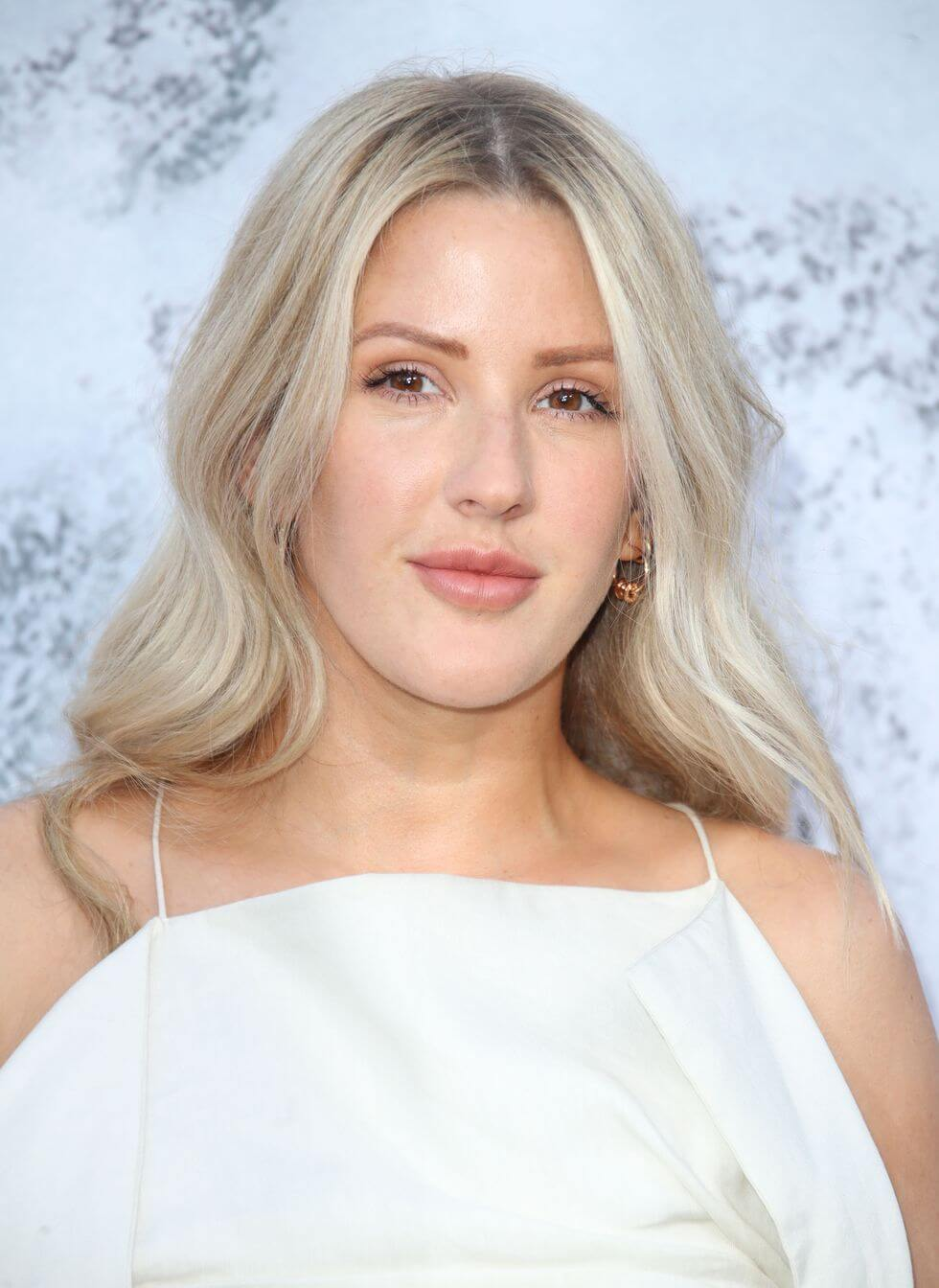 celebrities don't drink alcohol_Ellie Goulding