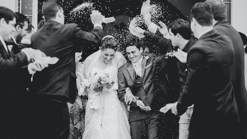 10 Awesome Ways to Surprise Your Bride on Your Special Day