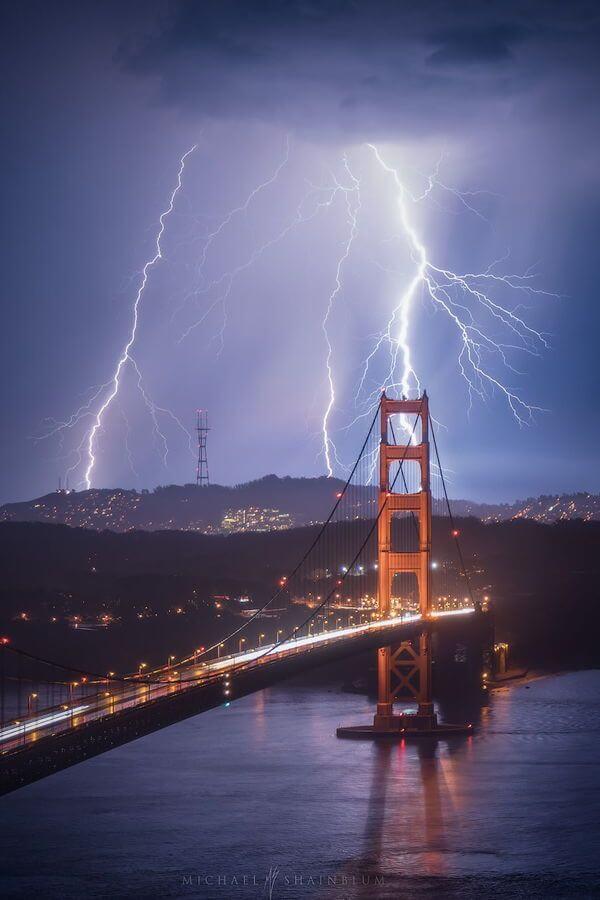 golden gate bridge lightning